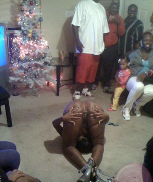 striptease stripper sexo niños niña fiesta familia desnudo cumpleaños