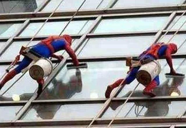Spiderman pluriempleado