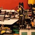 Lego + avioncitos de papel