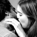 Besando a un extraño