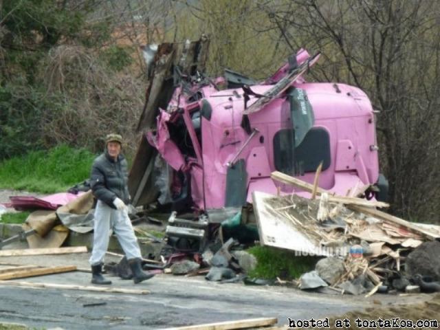 La historia del camión rosa- tontaKos.com(9)